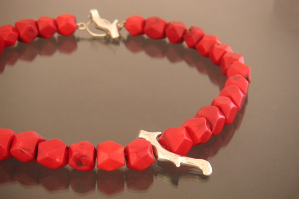 rood bamboe collier facet